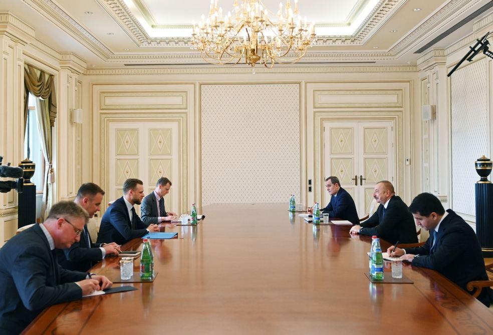 President Ilham Aliyev Receives Delegation Led by Lithuanian FM