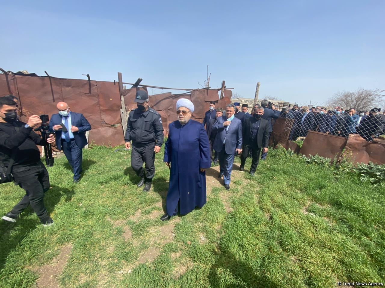 Religious Figures Of Azerbaijan View Ruined Monuments In Liberated Aghdam