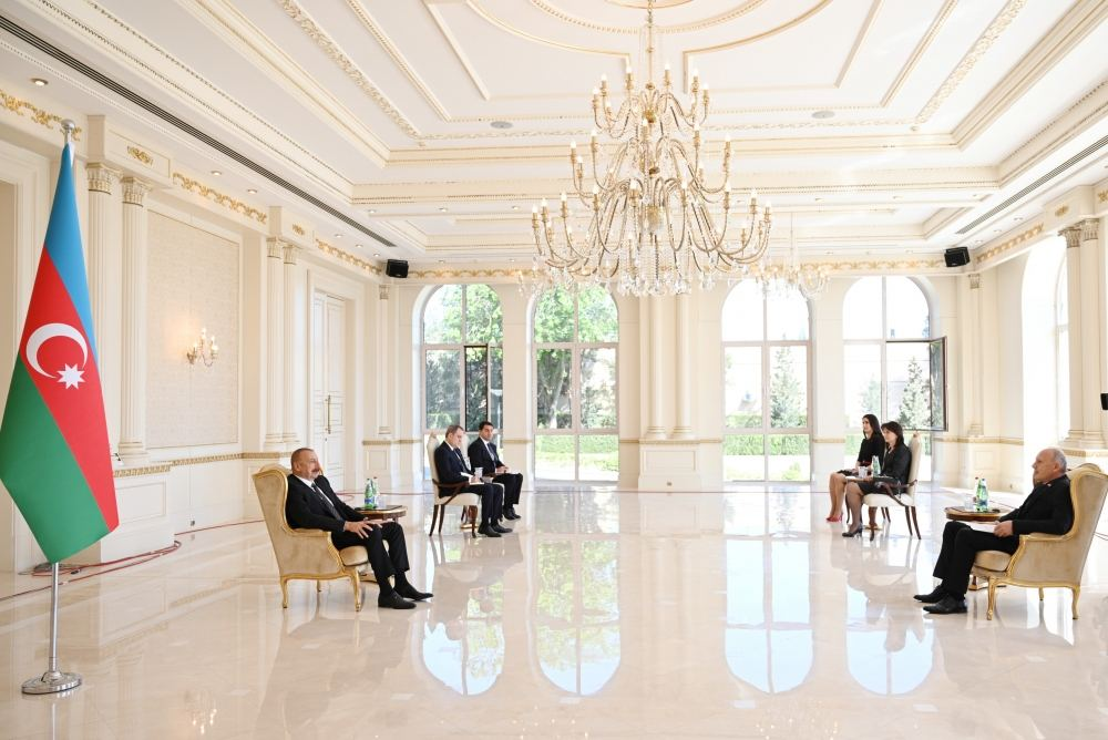 Azerbaijani President Receives Credentials of Newly Appointed Serbian and Turkish Ambassadors