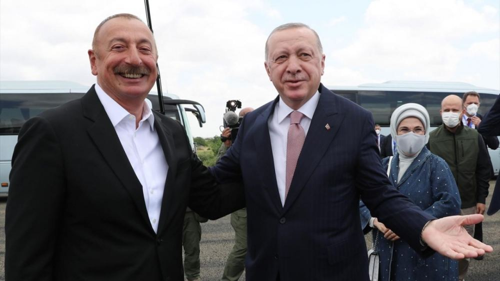 Azerbaijani president welcomes Turkish president in Fuzuli district