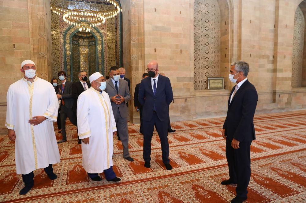 President of European Council visits Shamakhi Juma Mosque