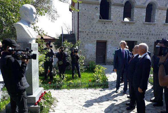 Renowned Azerbaijani cultural figures arrive in Shusha