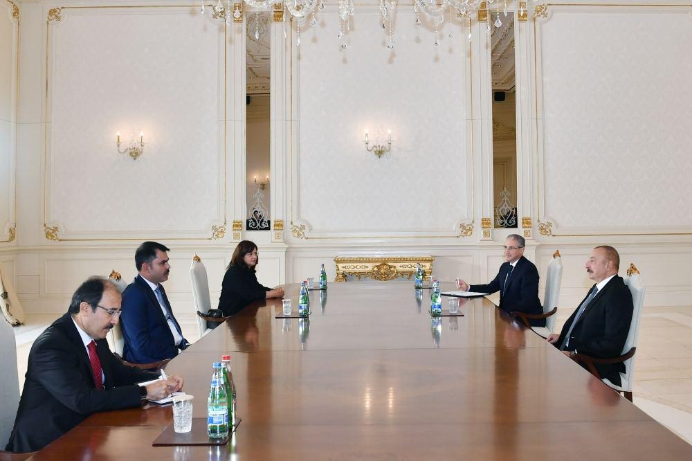 President Ilham Aliyev receives Turkish minister of environment and urbanization